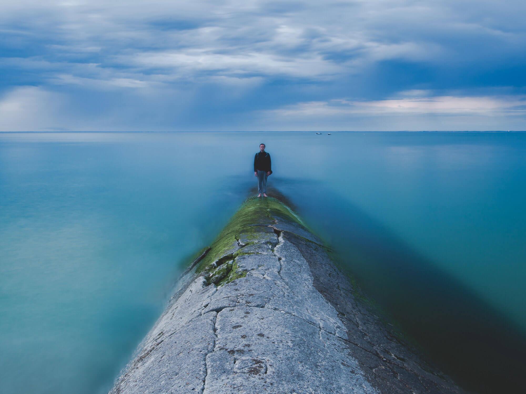 روانشناسی تاثیر آب - نازل و پمپ آب نما | فروشگاه اینترنتی آریا شاپ - مرجع خرید آبنما